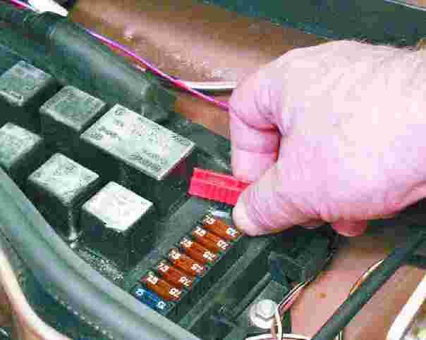 Как заменить блок предохранителей на ваз 21214 - Electric-oy.ru