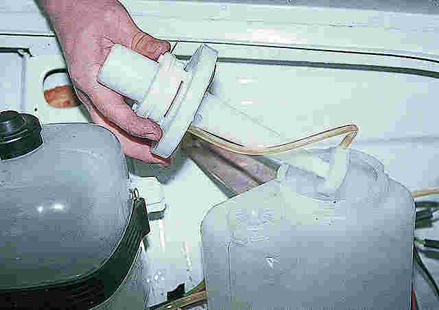 форсунки на омыватель лобового стекла ваз 2106 обычно любят